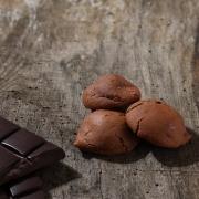 Chocolate macaroon - Macaroons retail : perfumed macaroons - La Biscuiterie Lolmede