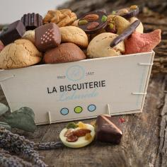 LA GRANDE CAGETTE DE MACARONS ET CHOCOLATS - La Biscuiterie Lolmede