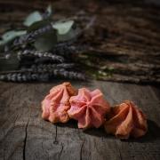 MACARON FRAMBOISE - Les macarons fruités - La Biscuiterie Lolmede