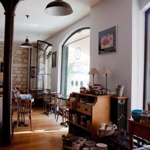 salon de thé - salon-de-the-lolmede.jpg