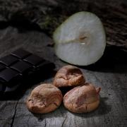 macaroon choco & pear - Macaroons retail : perfumed macaroons - La Biscuiterie Lolmede